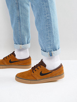 Nike Sb Zoom Stefan Janoski Gum Sole Trainers In Brown 333824-214