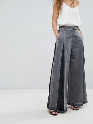 Diesel Wide Leg Jean with Pleat Detail