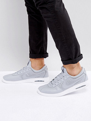 Nike Sb Stefan Janoski Max Leather Trainers In Grey 685299-012