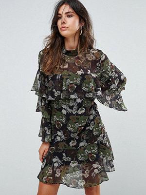 Liquorish Floral Print Tiered Dress - Black olive