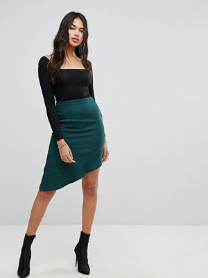 PrettyLittleThing Ruffle Trim Aysmmetric Skirt