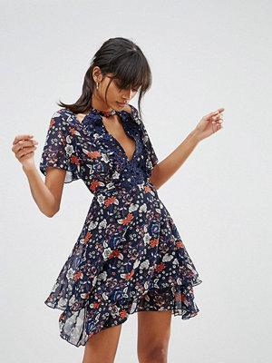Boohoo Floral Lace Trim Cold Shoulder Skater Dress