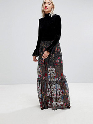 Lost Ink Statement Maxi Skirt In Premium Embroidered Lace