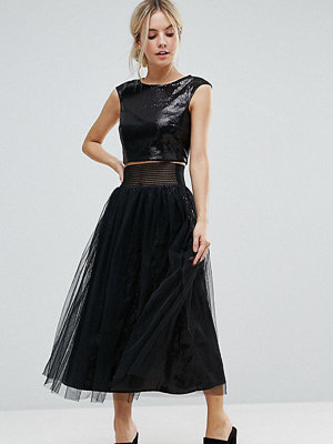 Little Mistress Petite Allover Sequin Midi Skirt With Mesh Tulle Overlay