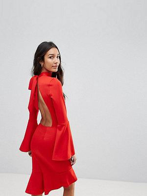Oh My Love Tall Pephem Midi Dress With Flare Sleeve
