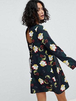 Reclaimed Vintage Inspired Tie Back Swing Dress In Floral Print