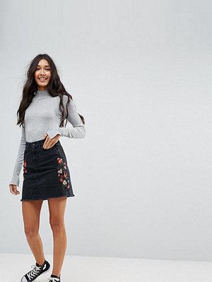 New Look Tall Denim Embroidered Mini Skirt