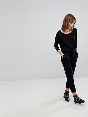 Jdy Avslappnad jumpsuit med 3/4-ärm