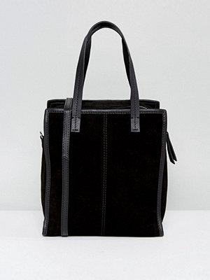ASOS axelväska Suede Mini Boxy Shopper Bag With Detachable Strap
