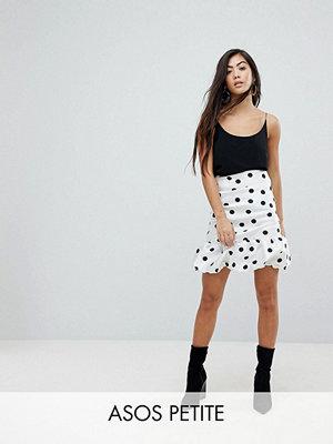 ASOS Petite Prickig minikjol med hög midja och puffdesign Vit och svart