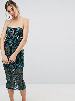 PrettyLittleThing Premium Embroidered Bandeau Midi Dress - Black/green