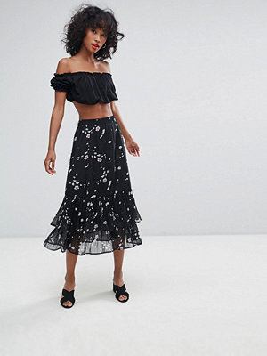 Liquorish Print A-Line Midi Skirt With Ruffles