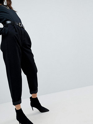 ASOS Tapered Jeans with Curved Seams and Belt In Clean Black