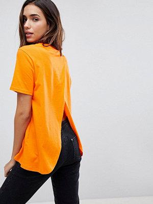 ASOS DESIGN T-shirt med omlott baktill