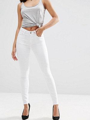 Jeans - ASOS DESIGN Ridley Vita skinny jeans med hög midja