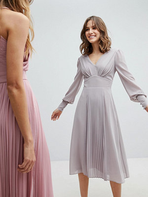 TFNC WEDDING Long Sleeve Midi Dress With Pleated Skirt