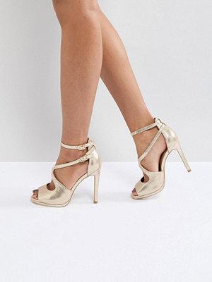 Sandaler & sandaletter - New Look Metallic Asymmetric Sandal