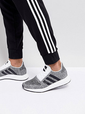 Adidas Originals Swift Run Primeknit Trainers In Black CQ2889
