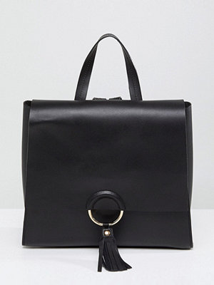 ASOS ryggsäck Leather Ring And Tassel Backpack