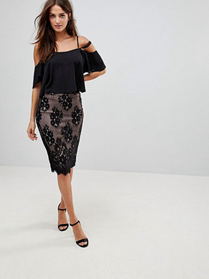 Parisian Lace Pencil Skirt