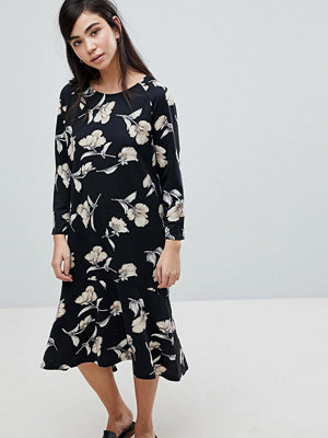 Soaked in Luxury Floral Print Sweater Dress