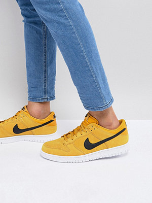 Sneakers & streetskor - Nike Dunk Low Trainers In Yellow 904234-700