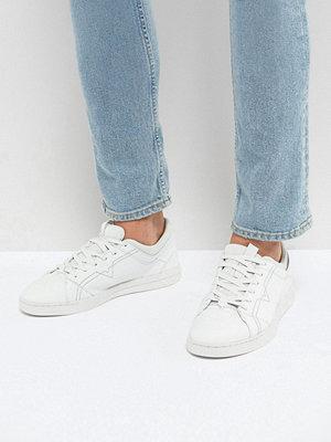 Sneakers & streetskor - Diesel Stud Sole Leather Trainers White