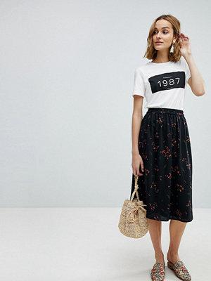 Vero Moda Floral Printed Midi Skirt