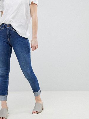 New Look Petite Skinny jeans med uppvik