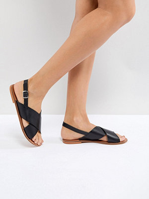 Sandaler & sandaletter - ASOS FLICKER Leather Flat Sandals