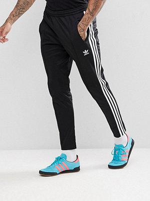 Byxor - Adidas Originals adicolor Beckenbauer Joggers In Skinny Fit In Black CW1269
