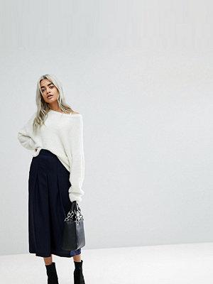 ASOS Petite Figursydd kjol med plissering