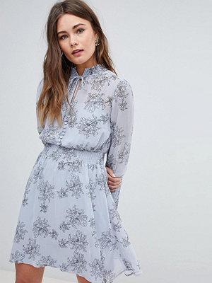 Boohoo Long Sleeve Floral Print Dress