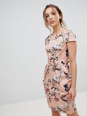 Closet London Cap Sleeve Pencil Dress In Full Bloom Floral Print