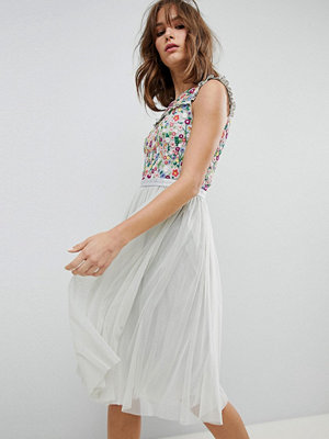 Needle & Thread Daisy Embroidered Midi Dress