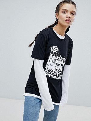 T-shirts - Adidas Skateboarding T-shirt i oversize-modell med Legalize-logga