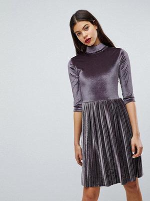 Club L Pleated High Neck Velvet Dress - Lilac grey