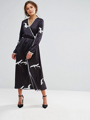 Liquorish Bird Print Wrap Maxi Dress - Black and white