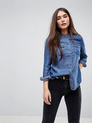 Only Figursydd jeansskjorta Mellanblå