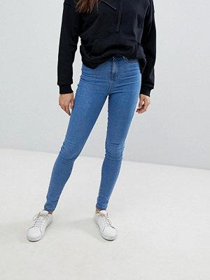 Noisy May Blå ankellånga skinny jeans med hög midja Mellanblå