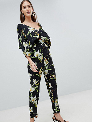 Asos Tall ASOS DESIGN Tall Jumpsuit With Kimono Sleeve And Peg Leg In Lily Print