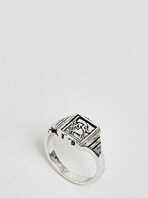 ASOS Curve ASOS DESIGN Curve vintage style St Christopher signet ring - Antique silver