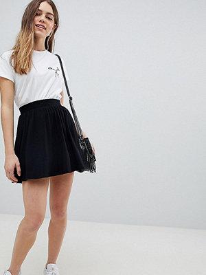 ASOS Petite Sakterklänning i minimodell