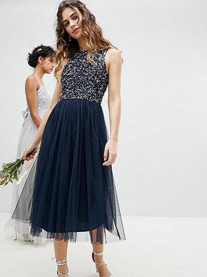 Maya Sleeveless Sequin Bodice Tulle Detail Midi Bridesmaid Dress With Cutout Back