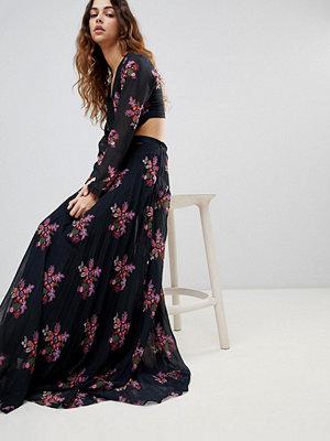Zibi London Zibi Maxi Thigh Split Cut Out Floral Maxi Dress
