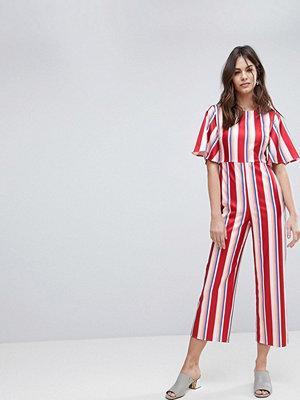 Fashion Union Randig formsydd jumpsuit Rödrandig