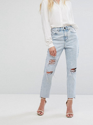 ASOS RECYCLED ORIGINAL MOM Jeans in Radleigh Light Wash with Rips and Busts