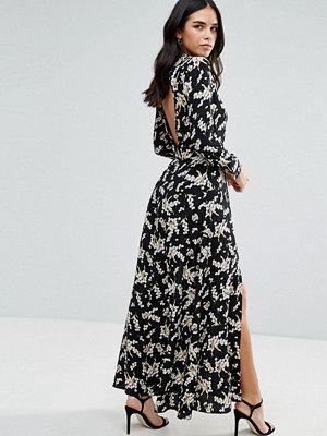 Liquorish Monochrome Maxi Dress With Slits - Black