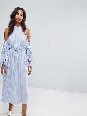 Warehouse Premium Ruched Sleeve Cold Shoulder Dress - Violet