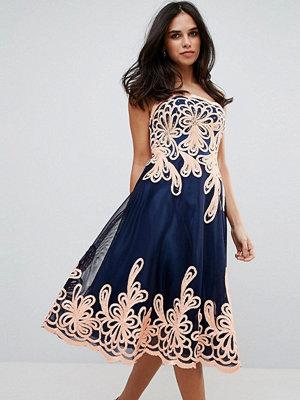 Forever Unique Strapless Midi Dress With Baroque